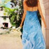 Vrouw door poort - 2005 * Acryl op doek - 100x70